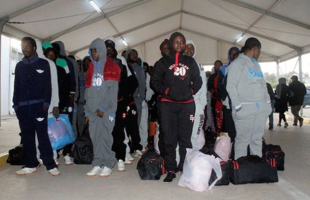african-immigrants-waiting-for-deportation-in-libya.jpg