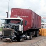 scramble-for-free-beer-as-truck-crashes-in-abuja-1-300x290.jpg