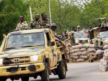 nigerian-army-soldiers-640x4311425421866.jpg