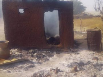 burnt-houses-at-chibok1-653x3658573292088893816623.jpeg