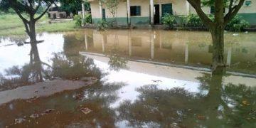 flood-at-ezigbo-primary-ameasea-anambra-state-600x3378417459511583321027.jpg