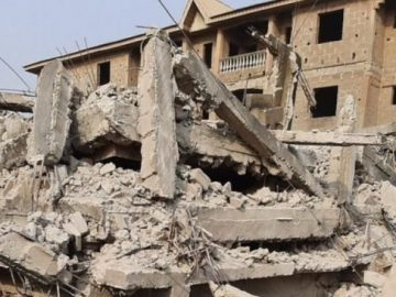 an-trapped-as-three-storey-building-collapses-in-lagos-1-653x36584770060139880241.jpg
