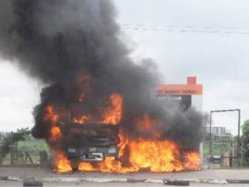 dcp-corps-member-others-killed-as-police-shiites-clash-600x3041601381392528817103.jpg