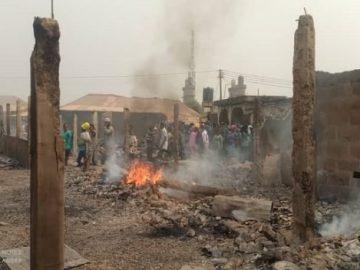 scene-of-sagamu-market-fire-outbreak-600x3528387861289570501917.jpeg