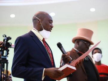 Emmanuel-Ikwulono-the-day-he-was-sworn-into-office-as-Benues-health-commissioner-1.jpg